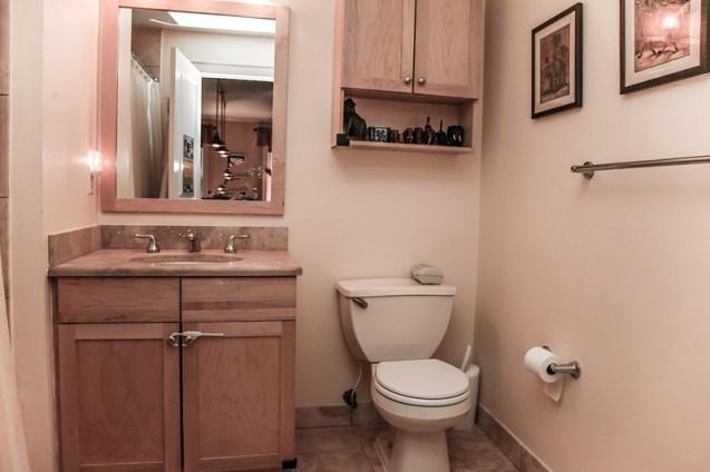 904 Jefferson St 21 - bath