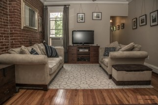 1007 Willow Ave #9 - living room