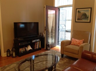 1102 Washington St #1 - living room 2