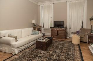 1011 Garden St - living room