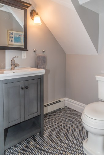 825 Willow Ave - bathroom 1