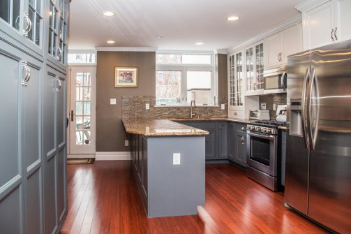 825 Willow Ave - kitchen