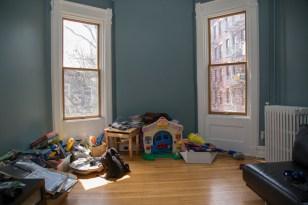 161 10th St - playroom