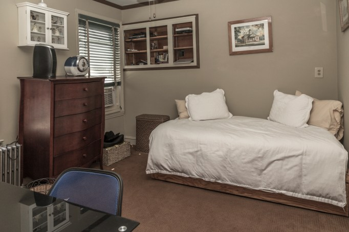 325 Park Ave - bedroom 2