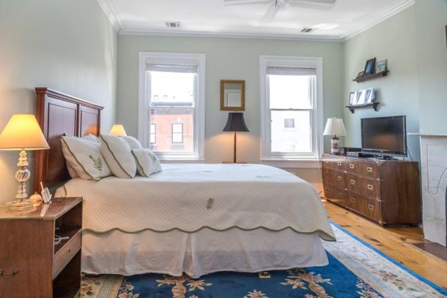 817 Garden St - bedroom 1