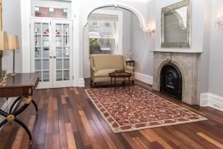 817 Garden St - living room