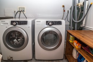 817 Garden St - laundry room
