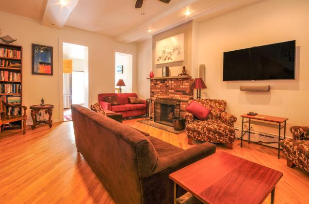 533 Park Ave - Living Room 2
