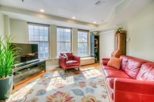 1100 Clinton St Hoboken NJ-large-013-15-Living Room-1500x996-72dpi