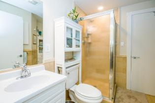 1100 Clinton St Hoboken NJ-large-016-18-Bathroom-1500x997-72dpi
