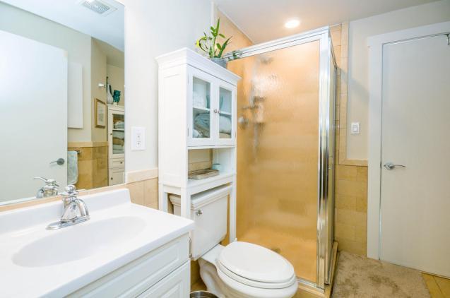 1100 Clinton St Hoboken NJ-large-016-18-Bathroom-1500x997-72dpi