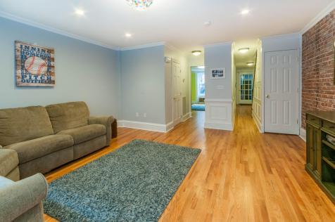 1111 Bloomfield St Hoboken NJ-large-025-25-Family Room-1500x997-72dpi