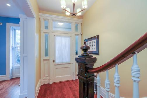 161 13th St - Foyer