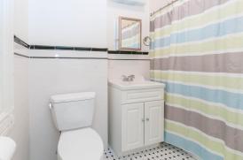 722 Hudson St - apt 2 bathroom