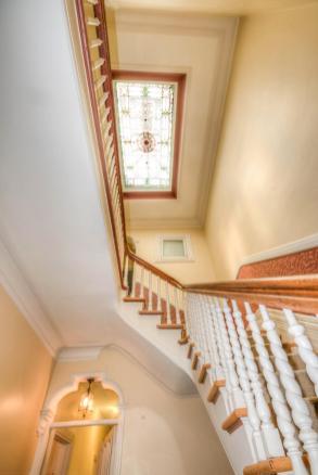 722 Hudson St - stairwell