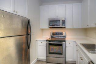 1500 Washington St 7M kitchen 2