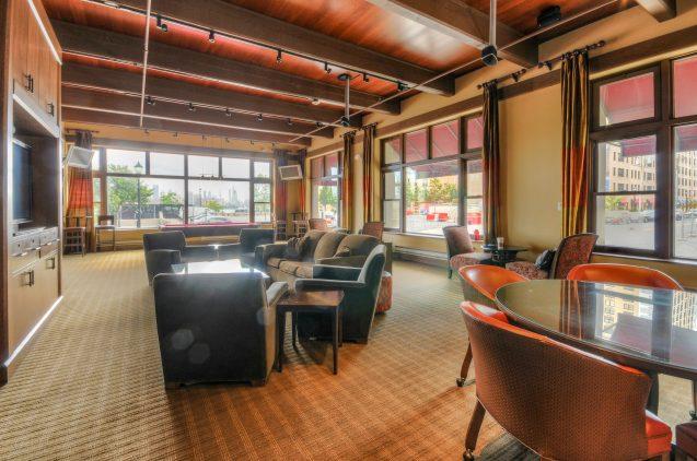 1500 Washington St 7M lounge 2