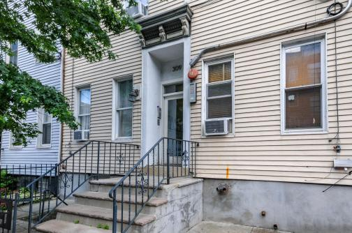 309 Monroe St #3 - front wide