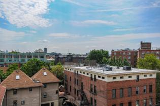 904 Jefferson St 6G balcony 2