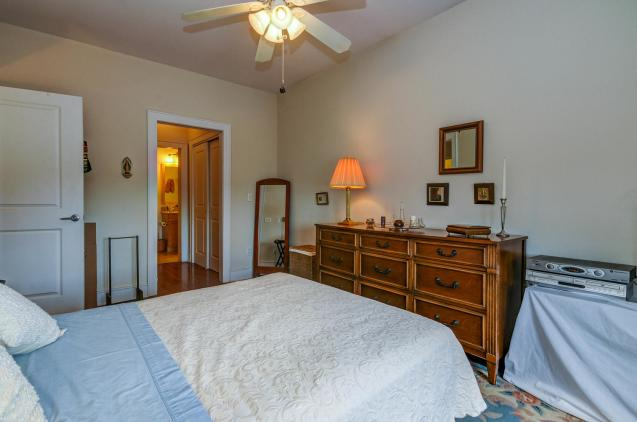 904 Jefferson St 6G bedroom 1 1