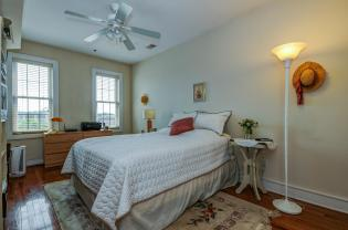 904 Jefferson St 6G bedroom 2 1
