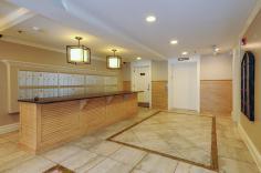 904 Jefferson St 6G foyer 2