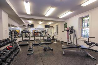 904 Jefferson St 6G gym 4