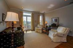 904 Jefferson St 6G living room 1