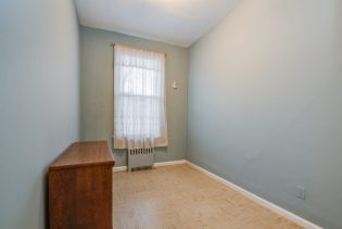 907 Washington St - 13 Duplex bedroom 3