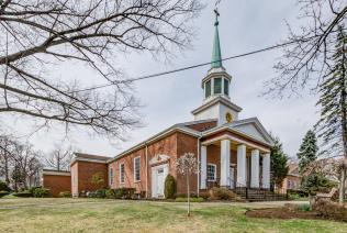 61 Church St Teaneck NJ 07666-large-014-2-DSC 7316 7 8-1489x1000-72dpi