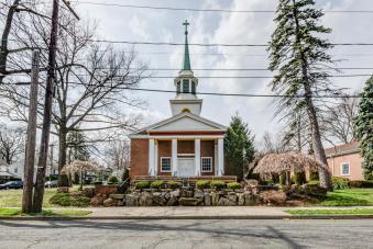 61 Church St Teaneck NJ 07666-large-018-14-DSC 7328 29 30-1489x1000-72dpi