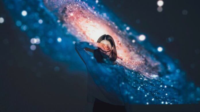 tech stories galaxy girl shielding eyes