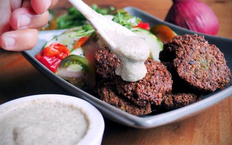 salsa falafels