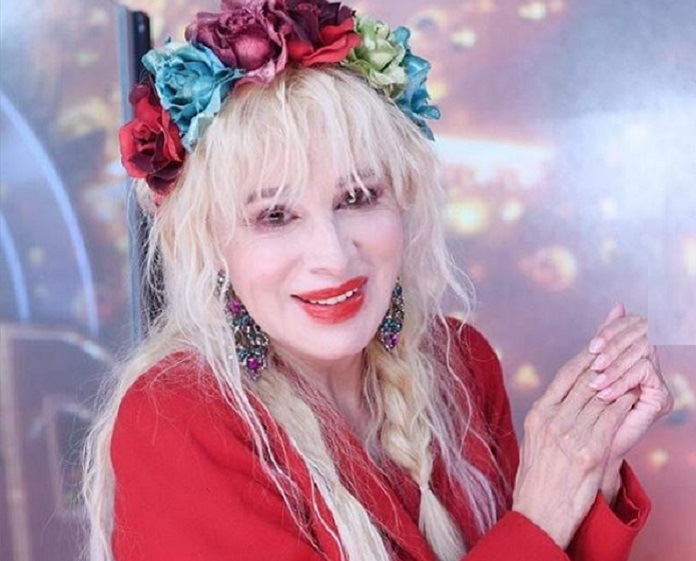 Nacha Guevara se emocionó con la canción de Ángela Leiva y Brian Lanzelotta - Sin Mordaza