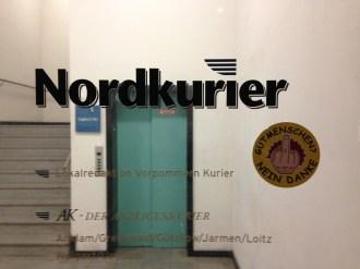 Eingang zur Redaktion des Nordkurier. Foto: Carsten Korfmacher