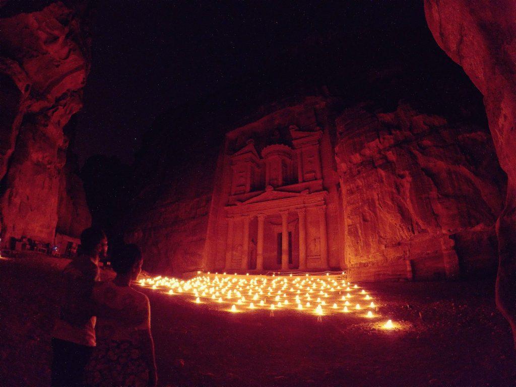 Petra by Nigth. Que hacer en Jordania