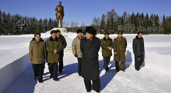 Kim Jong-un and the gang in Samjiyon, November 2013. | Image: KCNA