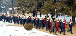Schoolchildren visit Phophyong