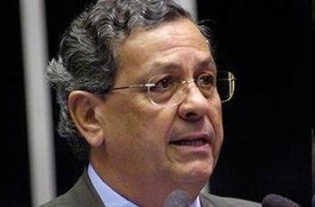Jayme Campos critica sucateamento e pede reestruturação da PF