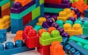 Jouer aux LEGO en classe ?