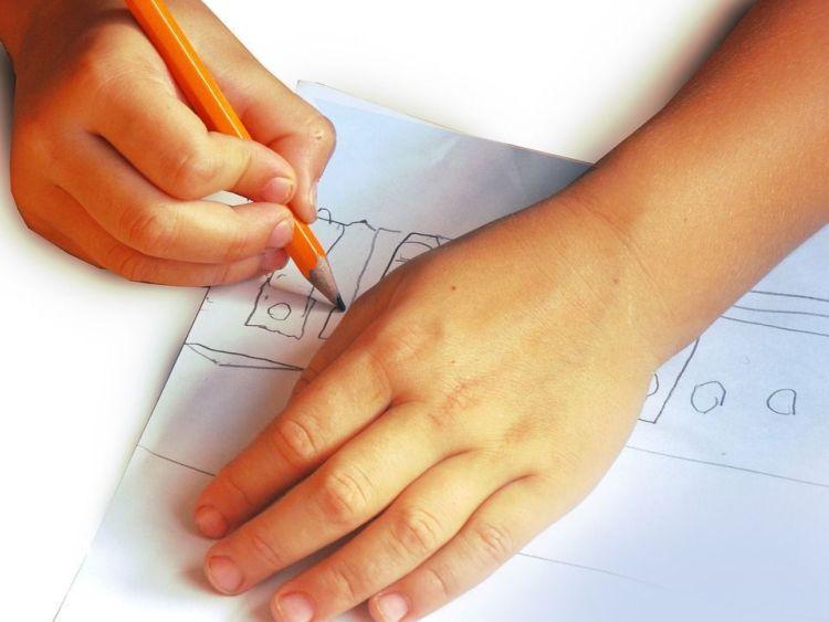 comment aider mon enfant à apprendre à écrire ?