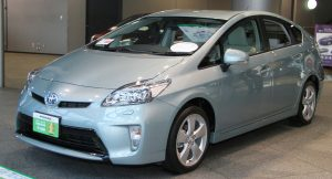 Toyota_Prius_S_-Touring_Selection-