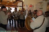 2008-12-18-fanfare-2