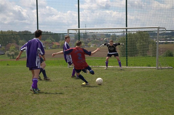 2013-05-11-mini-voetbaltornooi_00