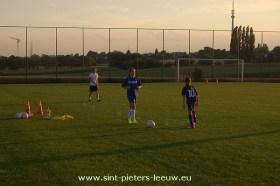 2013-08-05-eerste-training-vrouwenploegen_SK_Leeuw_03