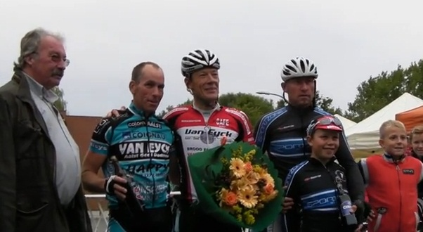 2013-09-15-vwf_podium-A