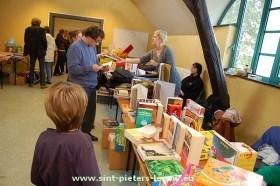 2013-10-27-boeken-spelletjes_verkoop_03