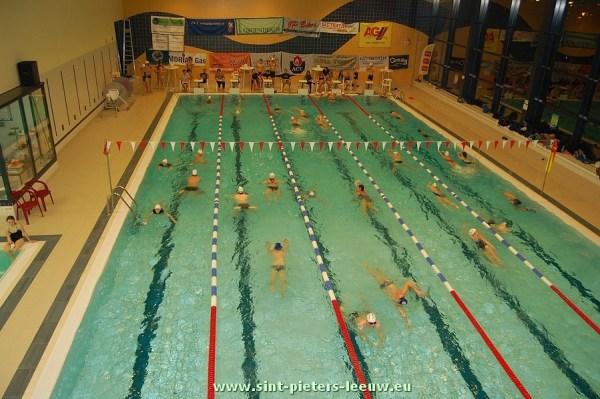 2013-11-22-zwemmarathon_SINT-PIETERS-LEEUW_tvv_de-Okkernoot