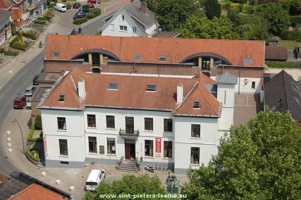 2014-06-02-verzichten-vanop-kerktoren (07) bibliotheek