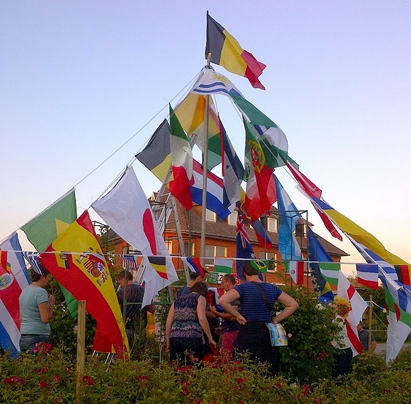 WK-rondpunt-Vlezenbeek-Handelaars-Vlezenbeek
